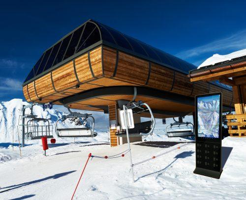 Nouveauté domaine skiable Valmorel borne de rechargement portable